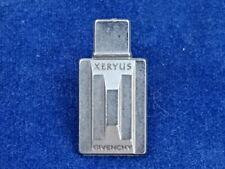 PIN'S / Badge - GIVENCHY XERYUS - JOLI / Nice !