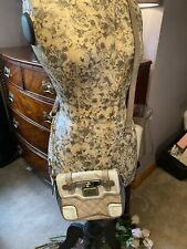 Guess Cream / Beige Crossbody Bag With Gold Chain Strap