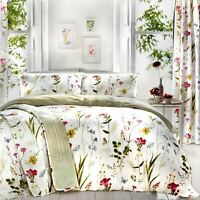 FLORAL MEADOW FLOWERS WHITE DOUBLE DUVET COVER & PENCIL PLEAT CURTAINS
