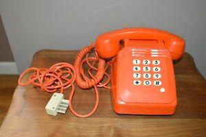 Téléphone Socotel orange à touches - vintage 1980's PTT