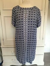 MARKS AND SPENCER. PRETTY BLUE MOSAIC PATTERNED DRESS SIZE 20