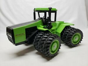 Case IH Steiger Panther CP-1400 w/ Triples By Scale Models 1995  1/16 Scale