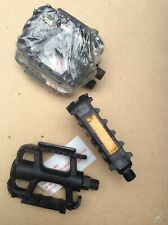 "1 pair of Wellgo MTB Resin 9/16"" Bicycle Pedals With Reflectors Black Brand New"