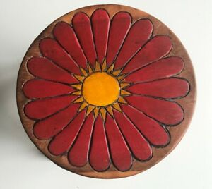 Childrens/Childs/Kids Wooden Stool - Red Daisy