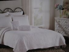 CYNTHIA ROWLEY White Embroidered Scroll Floral Quilt - Full/Queen