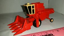 1/64 ERTL custom case cab combine with 4 row corn head farm toy ih international