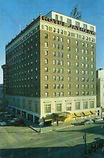 postcard USA   Kansas  Hotel Jayhawk   Topeka unposted