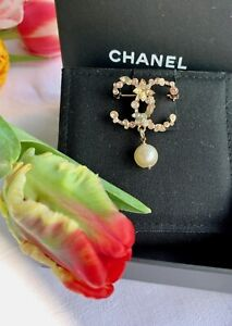 """Original CHANEL double """"C"""" Brooch with Pink/White/Yellow Crystal and Pearl drop"""