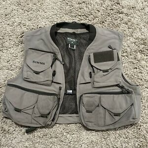Simms Fly Fishing Vest Size Large Excellent Condition