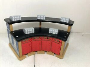 Thomas & Friends Wooden Roundhouse Shed No Turntable
