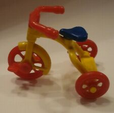 VINTAGE RENWAL TRICYCLE No. 7 / PLASTIC DOLLHOUSE MINIATURE TOY