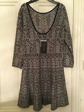 ZARA, A lovely NEW with tags Knitt Knee Dress, size L