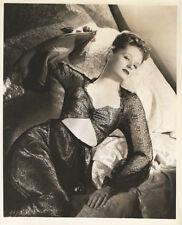 ALEXIS SMITH GLAMOUR PORTRAIT BY BERT SIX (1943) VNTG 8 X 10