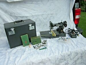 FABULOUS 1951 BICENTENNIAL Singer 221 Featherweight Sewing Machine w Attachments