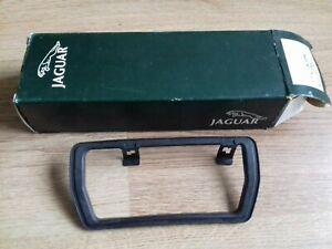NEW GENUINE JAGUAR XJ40 XJ6 & FACELIFT XJS DOOR HANDLE OUTER GASKET SEAL JLM2054