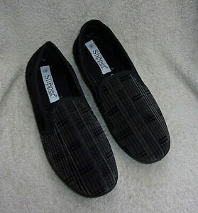 Unworn Slippers Size 9 The Slipper Company
