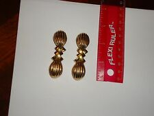 BEAUTIFUL UNIQUE VINTAGE Jewelry CINER CHUNKY GOLD TONE CLIP EARRINGS