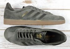 Sz 8 Men ADIDAS Gazelle Utility Suede Gray/Gum Bottom Shoe BB2754 - New/NoBox