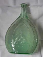 Carafe en verre teinté vert