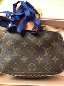Authentic brand new Louis Vuitton packing cube PM M43688 SOLD out