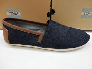 TOMS MENS SHOES CLASSIC DARK DENIM WITH SYNTHETIC LEATHER TRIM SIZE 8.5