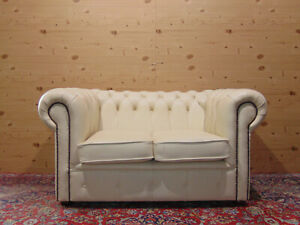 2-seater Chesterfield sofa, original English Vintage in white leather.