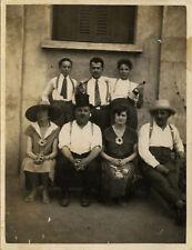 PHOTO ANCIENNE - VINTAGE SNAPSHOT - GROUPE FÊTE VOGUE DE MONTBRISON DRÔLE ALCOOL