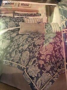 Croscill Gavin Queen Comforter Set, 4 Pieces, NEW