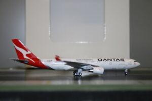 "Aeroclassics 1:400 Qantas Airbus A330-200 VH-EBN ""New"" Die-Cast Model Plane"