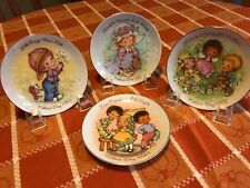 Avon Mothers Day Plate Set 1981,1982,1983,1984 -Set of 4 Avon collector plates