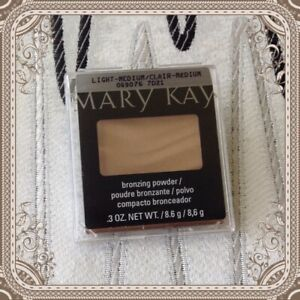 New In Package Mary Kay Bronzing Powder Light to Medium #069076 ~ Fast Ship