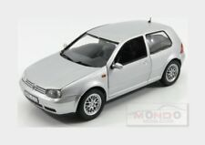 Volkswagen Golf Iv 1997 Silver Met REVELL 1:18 RV08945