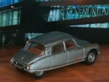 Citroën DS 1955 - 1975 Weathered Unrestored French Sedan in 1/64 Scale LE S9