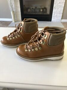 SIMMS BROWN LEATHER FLY FISHING WADING BOOTS SHOE FELT BOTTOM Sz 7