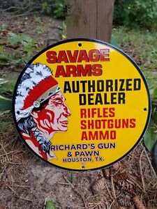 VINTAGE 1972  GUN SAVAGE ARMS PORCELAIN SIGN COLT, HOUSTON TEXAS