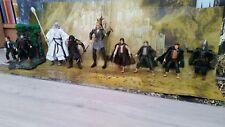 SEIGNEUR DES ANNEAUX Lot de 9 figurines (héros 1) avec accessoires TBE
