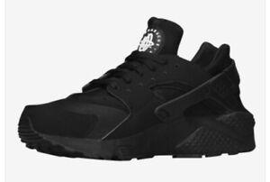 Men's Nike Air Huarache Triple Black Size 11.5   FAST SHIPPING FLOOR MODEL