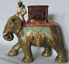 RARE POT A TABAC PYROGENE EN TERRE CUITE BARBOTINE CORNAC SUR SON ELEPHANT