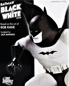 BATMAN BLACK AND WHITE STATUE BASED ON THE ART OF BOB KANE BRAND NEW 2237/3000