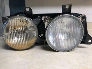 BMW E34 E32 Right Headlight Assembly 88-94 735i 750il 525i 530i 540i M5 OEM USED