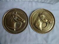 PAIR VINTAGE EMBOSSED BRASS WALL PLAQUES WITH HORSES HEADS DIAMETER 15 cm