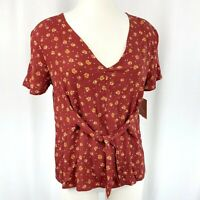 14th & Union Women's Short Sleeve Top Boxy Fit Tie Front Floral dot red brown