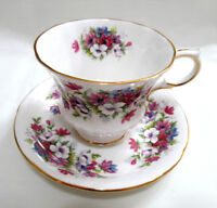 Paragon Teacup & Saucer Set Floral Set Flower Festival J White Cosmos Gilded