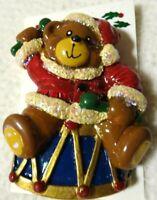 NEW TEDDY BEAR/DRUM CHRISTMAS/HOLIDAY PIN/BROOCH-GLITTER-RESIN-ENAMEL PAINT