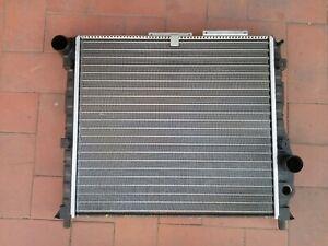 Alfa Romeo 75 / 90 (162) no T.S. e no I.E. - radiatore motore VALEO TA438 811389