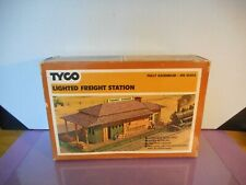 Tyco   HO...lighted Freight station....boxed...