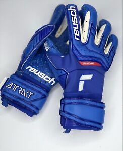 Reusch Attrakt Fusion Guardian Goalkeeper Gloves Size 9 -Free Personalization