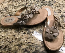 BOC Champagne Metallic Floral Leather Thong Flip Flops Sandals Sz 7 Womens