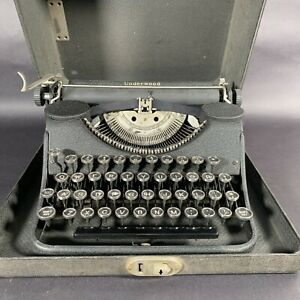 Vintage 1930s Underwood Leader Portable Typewriter In Case With Leather Handle