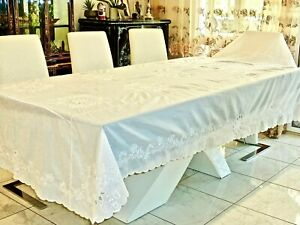 EXQUISITE MADEIRA HAND EMBROIDERED BANQUET SIZE TABLECLOTH WHITE ON WHITE SILK ?